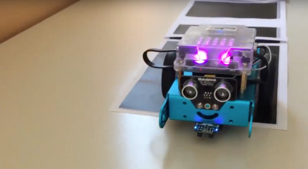 Our robot can play music, a Nicola Palmeri's project